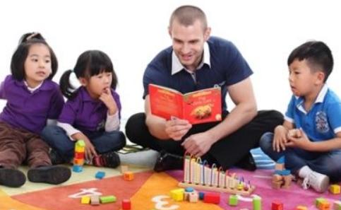 怎么教育幼儿学习英语_幼儿英语教育方法有哪些