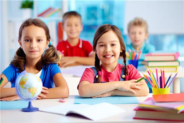少儿线上英语培训机构学习优势解析
