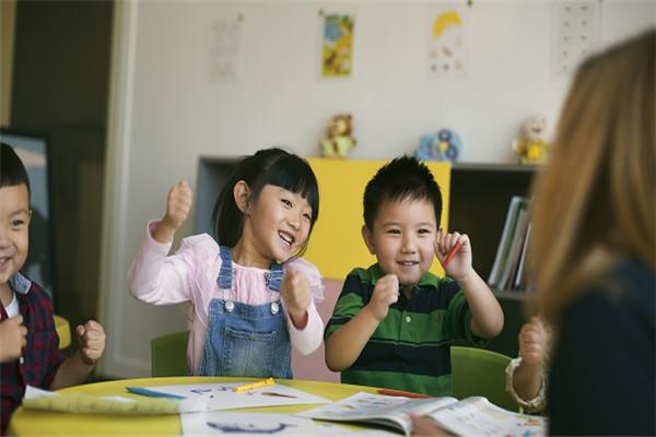 哪里学少儿英语比较好?怎么学?