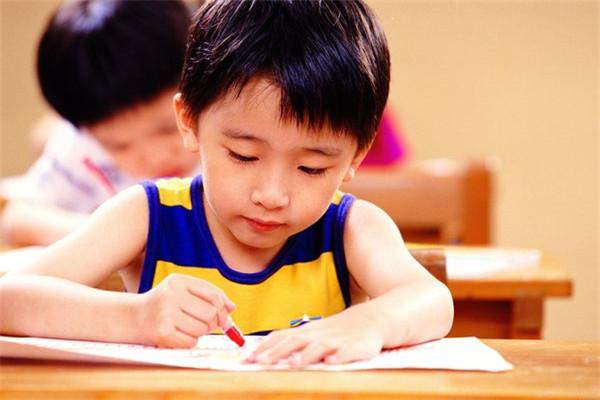 哪个少儿英语培训好怎么选?