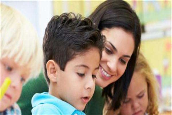 家长如何教孩子学习英语?