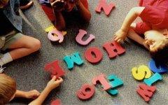少儿英语听力训练应该注意什么?